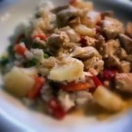 Ryż z warzywami z kurczakiem na ostro