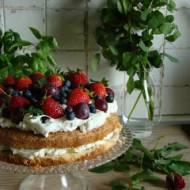 Szybki tort z owocami