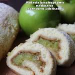 Rolada biszkoptowa nadziana startymi jabłkami