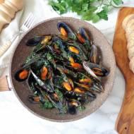 Małże po marynarsku w białym winie (Cozze alla marinara)