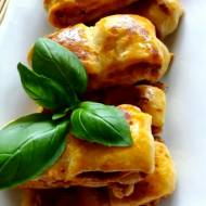 Roladki serowo-ziołowe z ciasta francuskiego