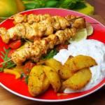 Greckie souvlaki z sosem tzatziki