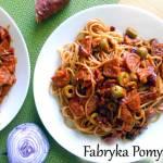 Spaghetti z chorizo w sosie pomidorowym