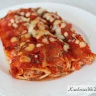 Rurki zmięsem mielonym wsosie pomidorowym
