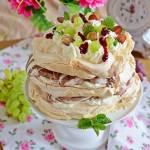 Tort bezowy z lodami