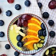 Bazyliowe Smoothie Bowl z awokado i pomarańczą