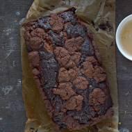 Czekoladowe ciasto drożdżowe z czekoladową kruszonką