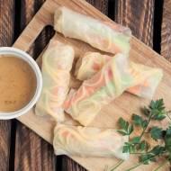 Szybkie spring rolls z sosem orzechowym