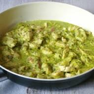 Zielona potrawka z kurczaka.