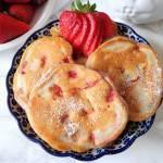 Placuszki z truskawkami i jogurtem (Pancake con fragole e yogurt)