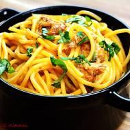 Spaghetti z makrelą