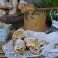 Ciasteczka francuskie z kajmakiem i migdałami