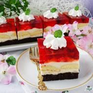 Ciasto z kremem budyniowym i truskawkami