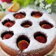 Ciasto kakaowe z całymi jabłkami i wycieczka do sadu