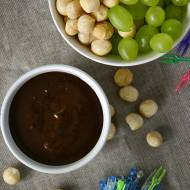 Fondue czekoladowo-orzechowe