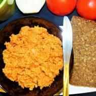 Pomidorowa pasta z kaszy jaglanej