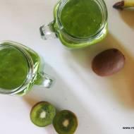 Zielone smoothie z kiwi, awokado, banana i szpinaku (bez laktozy, cukru i glutenu)