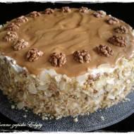 Tort orzechowo krówkowy