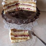 Tort rafaello z frużeliną truskawkową