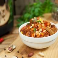 Curry z kurczakiem, orzeszkami ziemnymi i skórką pomarańczową