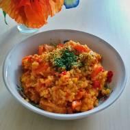 Kurczak z ryżem i warzywami w shoarmie