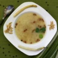 Biała zupa szparagowa z serem parmezan