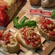 Bruschetta z Pomidorami i Makaronem