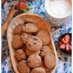 Pełnoziarniste ciasteczka kardamonowo-cynamonowe z suszonymi truskawkami czyli poWeekendowe Łakocie odc.154