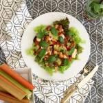 Sałatka z łososiem i rabarbarem