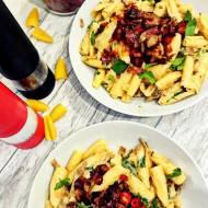 makaron z boczniakami, boczkiem i chilli