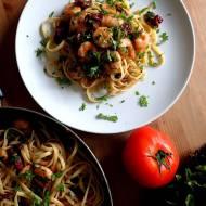 Makaron z krewetkami i suszonymi pomidorami - ultra szybki zdrowy obiad