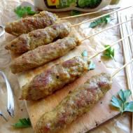 Orientalne szaszłyki z mięsa mielonego
