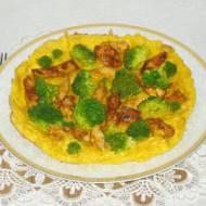 Omlet z kurczakiem i brokułami