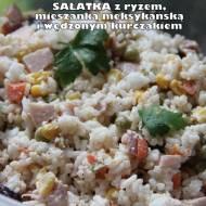 Sałatka z ryżem, mieszanką meksykańską i wędzonym kurczakiem