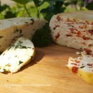 Domowy ser podpuszczkowy  dojrzewający z dodatkami