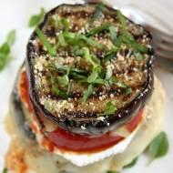 Grillowany bakłażan z soczystym pomidorem i serem pleśniowym