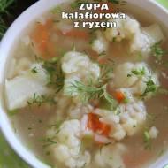 Zupa kalafiorowa z ryżem (na drobiowym wywarze)