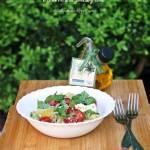 Makaron ze szparagowym pesto, pomidorami i fetą