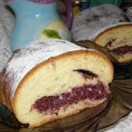 drożdżowe ciasto z twarogiem i aronią, rodzynkami...