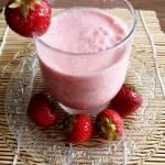 Domowy jogurt truskawkowy