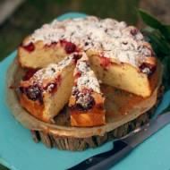 Ekspresowe ciasto jogurtowe z truskawkami