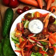 Mięsne klopsiki z warzywami