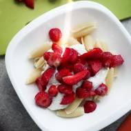 Makaron z truskawkami i serem