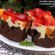 serniko-murzynek z owocami i galaretką