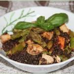 Czarna soczewica z kurczakiem i szparagami
