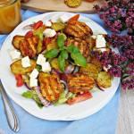 Sałatka z grillowanym kurczakiem i pieczonymi ziemniakami