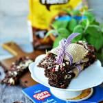 Śniadaniowe batony z płatków kukurydzianych, żurawiny, goji, chia i płatków migdałów - pełne zdrowia!