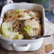 Młoda kapusta zapiekana w beszamelu / Young cabbage baked with bechamel sauce