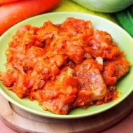 Schab duszony z marchewką i cebulą