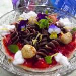 Szybkie śniadanie : Czekoladowe świderki z ricottą i truskawkami